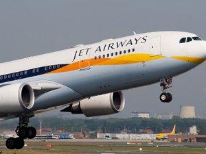 Jet Airways uçağı pistten çıktı