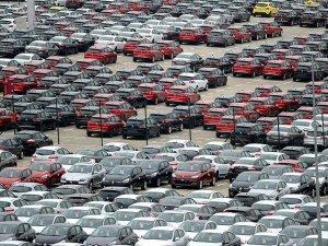 Otomobile 'dünyanın parası' harcanıyor