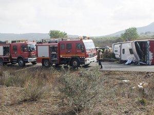 Peru'da otobüs devrildi: 12 ölü, 29 yaralı