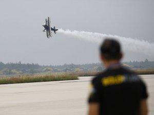 Jet motorlu model uçak yarışması nefes kesti