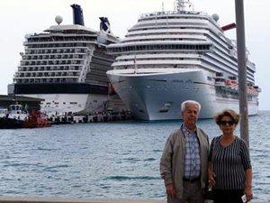 Carnival Vista, 4 bin yolcusuyla Kuşadası Limanı'na yanaştı