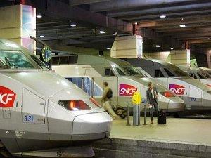 Fransa'da ulaşım sektörü greve gidiyor