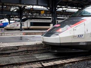 Fransa Ulusal Demiryolları süresiz greve gitti
