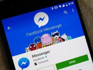 Facebook, mobil sitesinden sohbeti çıkarıyor