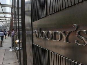 Moody's İngiltere'nin büyüme tahminini düşürdü