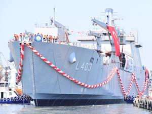 En büyük ikinci amfibi gemisi 'TCG Sancaktar' denize indirildi