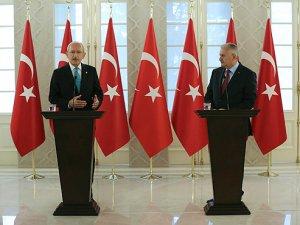 Başbakan Yıldırım ve Kılıçdaroğlu'ndan açıklama: Hukuk dışında hareket edenin üstüne gidilecek