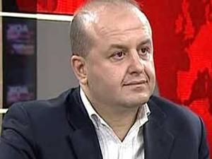 AKP'li gazetecilerden Ömer Turan; Davutoğlu, Arınç ve Akşener'i darbecilikle suçladı