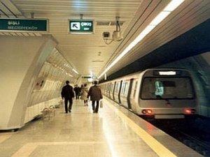 İzmir'de dün akşamdan beri metro seferleri yapılamıyor