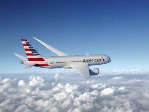 AA uçağında yakıt sızıntısı