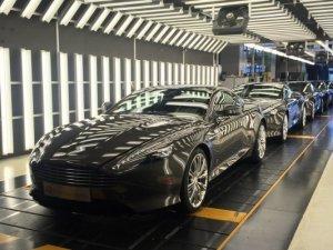 Aston Martin DB9'a son veda