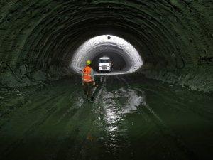 Kop Tüneli'nin yüzde 38'i tamamlandı