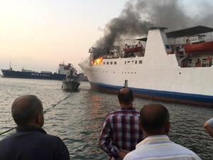 Türkiye ile Lübnan arası çalışan Med Star adlı Ro-Pax cayır cayır yandı