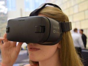 Yeni Gear VR ön siparişe sunuldu!