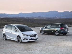 Yeni Opel Zafira üretim bandından indi