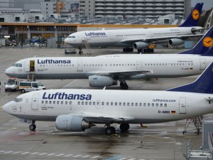 Lufthansa uçağı tehlike atlattı