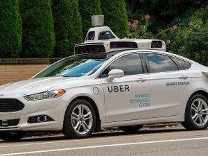Uber'in sürücüsüz araçları hizmet vermeye başladı