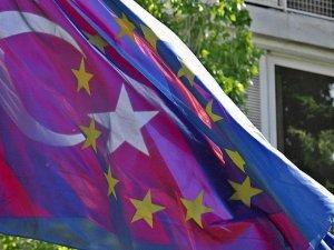 AB Komisyonu'ndan vize serbestisi için 7 kriter