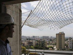 Yüksekten düşen inşaat işçisini 3 bin liralık file kurtarmış