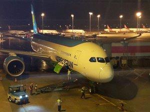 Özbekistan'ın Dreamliner'ına özel karşılama