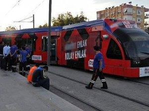 Antalya'da tramvay raydan çıktı 1 yaralı