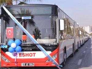 Otokar'ın körüklü otobüsü İzmir caddelerinde
