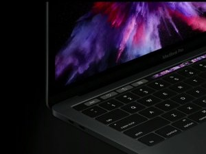 Apple, MacBook serisinde OLED ekrana geçebilir