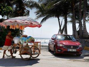 BMW 1 Serisi Sedan'ın iç mekanı gün yüzüne çıktı