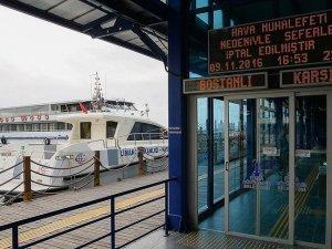 İzmir'de vapur ve feribot seferleri iptal edildi