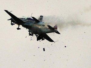 ABD savaş uçakları havada çarpıştı