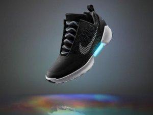 Nike HYPERADAPT 1.0 satışa sunuluyor!