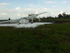 Ambulans uçak pistten çıktı