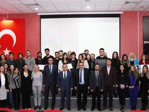 THK Üniversitesi öğrencilerini ödüllendirdi