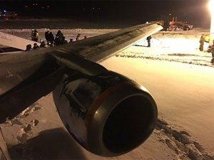 Rusya'da yolcu uçağı pistten çıktı