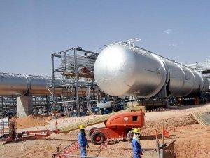 """Suudi ekonomisi """"yüksek petrol fiyatlarını"""" arıyor"""