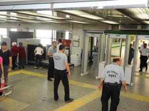 Ankara Metrosu'nda K-9 köpekleriyle güvenlik