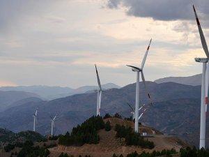 Elektriğin yarısı yerli kaynaklardan üretildi