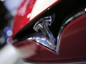 Tesla, 53 bin aracını servislere geri çağırdı