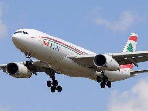 Londra uçağında kavga çıktı uçak İstanbul'a indi
