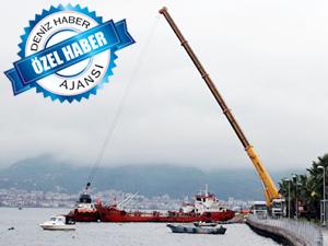 Batık yakıt barcları, İzmit Körfezi'nin doğusundaki deniz kirliliğinin kaynağı tartışmalarına yeni bir boyut kazandırdı