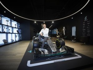 Mercedes AMG Petronas'ın direksiyonu  Valtteri Bottas'a emanet