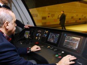 Cumhurbaşkanı Erdoğan vatman koltuğunda