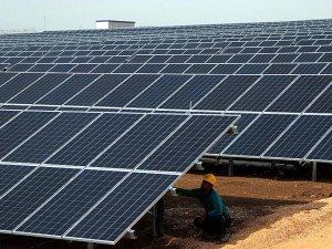 Zorlu Enerji'den Pakistan'a 100 megavatlık güneş parkı