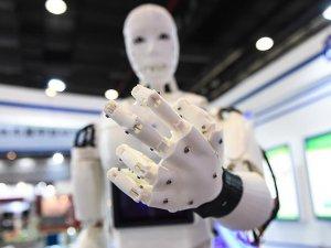 İnsansı robotlar yaşlı bakım hizmeti verecek