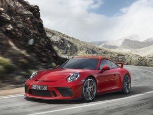Gündelik kullanım için yarış  pistlerinde doğdu: yeni 911 GT3