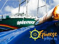 Greenpeace'in gemisi 'Rainbow Warrior' Seferihisar'a demirledi