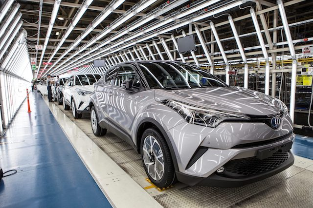 2017-toyota-c-hr-turkey-assembly-plant-e1478705795889.jpg