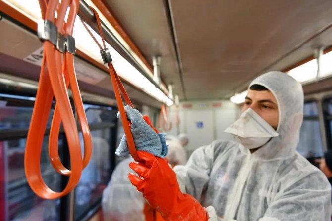 ankaray-yolculari-ev-temizliginde-seyahat-yapiyor-9.jpg