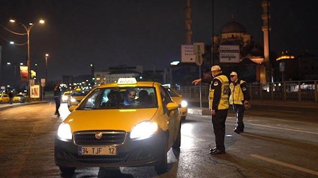 ehliyeti-olmayan-taksici-yakayi-ele-verdi-12575121.jpeg