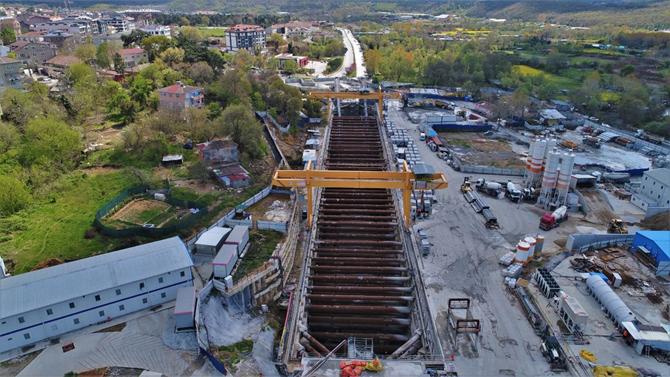 istanbul_havalimani_gayrettepe_metro1.jpg